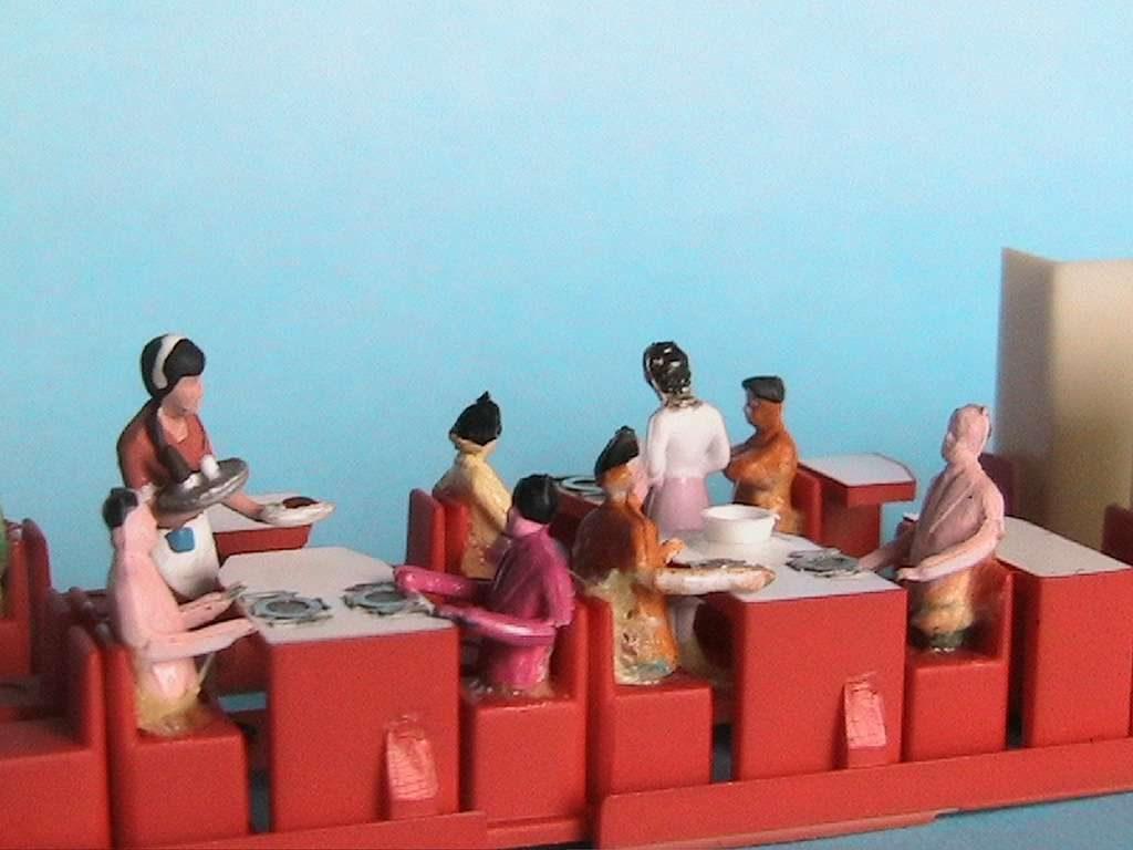 Personnages de fabrication asiatique